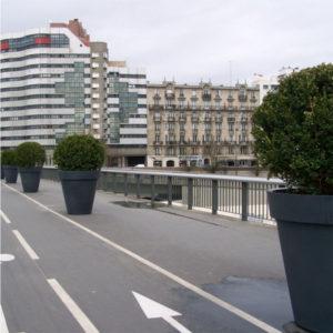 Pots décoratifs pour buissons ou arbustes idéal en aménagement urbain